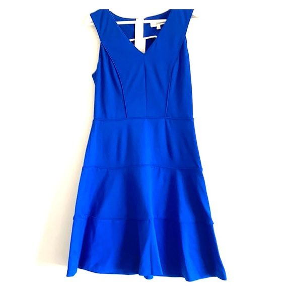 Banana Republic Blue tiered v neck dress